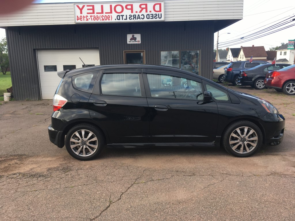 2014 Honda Fit Sport 5 Speed AT With Navigation